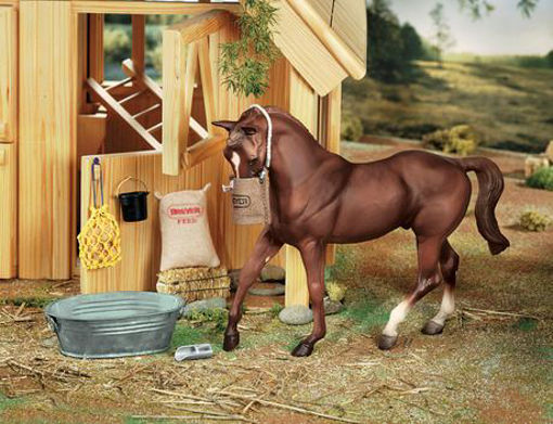 Picture of 2486 Breyer Traditional Stable Feed Set